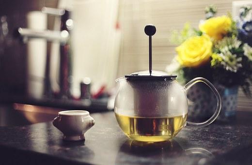 cand se bea ceaiul detoxifiant)